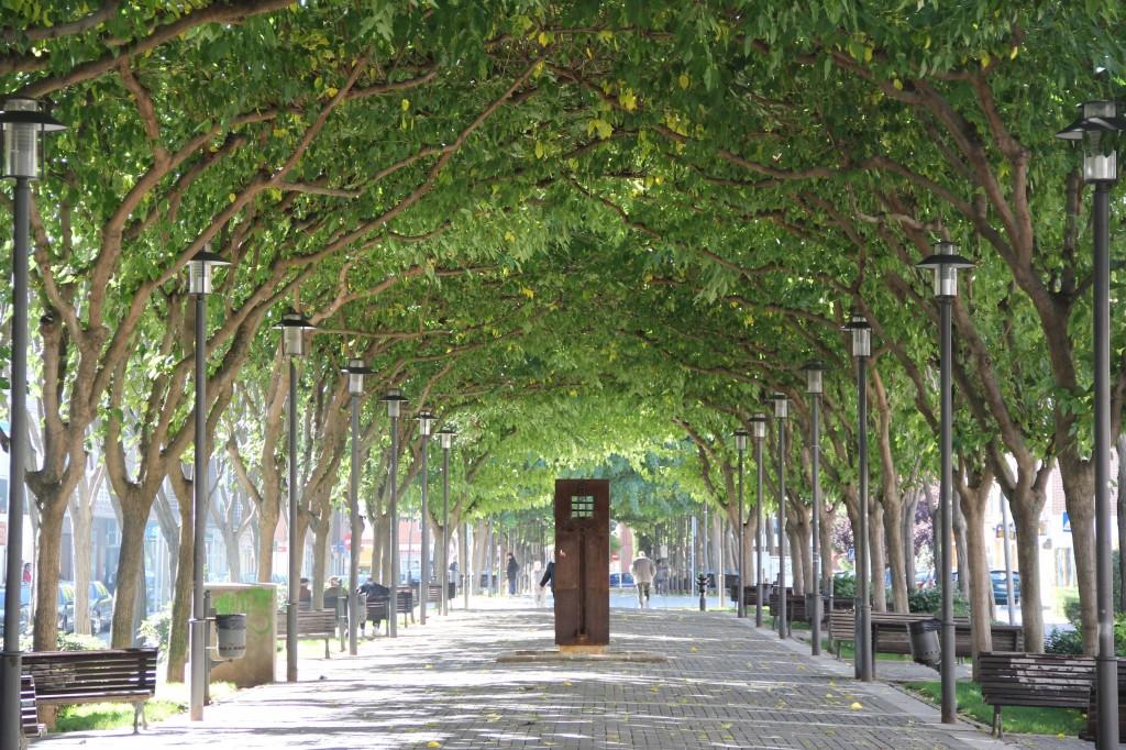 LA FUENTE. Bulevar de las Acacias. Fases I II y III. Superficie: 12.505 m2. Azuqueca de Henares. Guadalajara. 1.995-1.999
