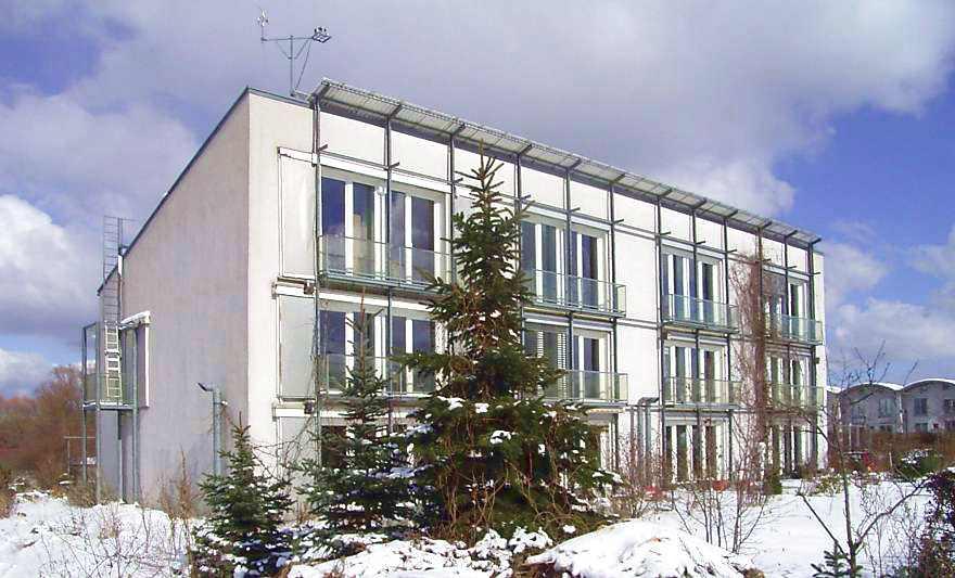 El primer edificio passivhaus. 4 viviendas pareadas en Darmstadt. Alemania. 1990