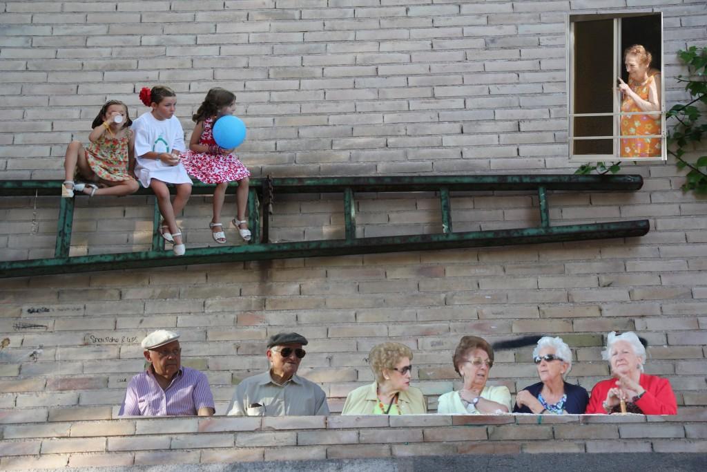 foto escalera y personas_7837-v2